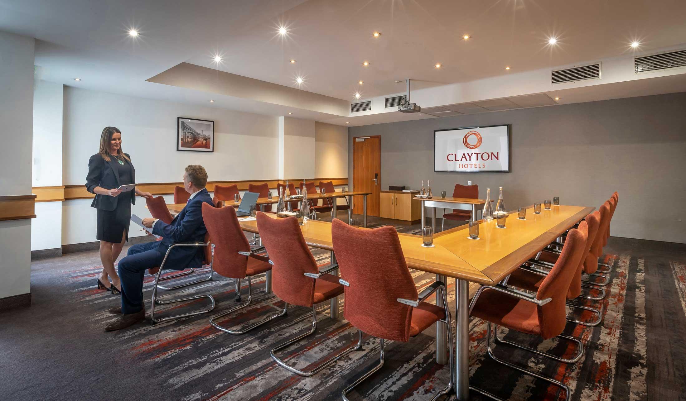 U-shape meeting rooms